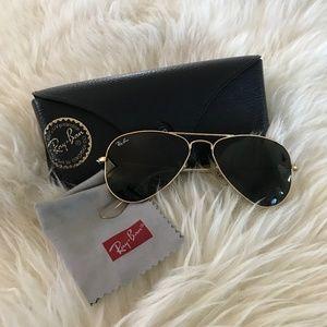 Ray-Ban Gold Aviator Classic Sunglasses